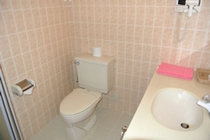 トイレ(現状は洗浄付に改修済です)