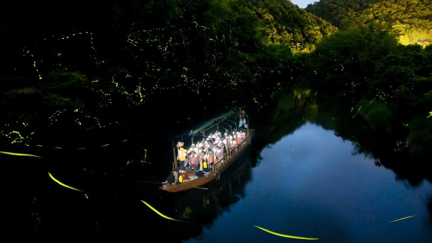 日本初のホタル舟