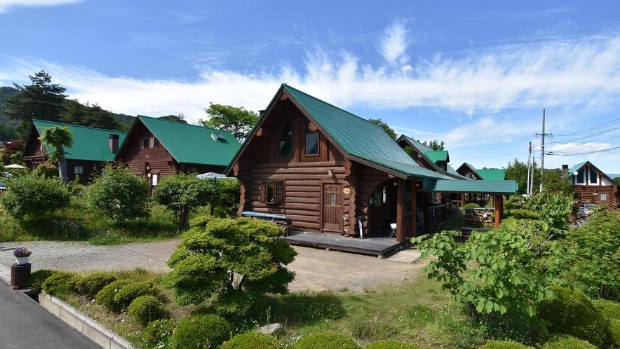 ログハウスが建ち並ぶ別荘地