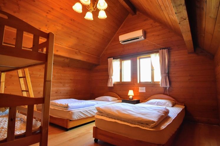 寝室(一例)小中ログハウス
