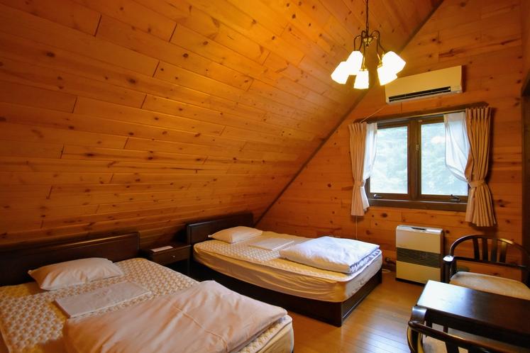 寝室(一例)大ログハウス
