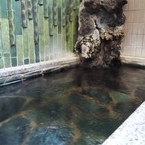 *お風呂一例/深夜もいつでも好きな時に入れるので便利♪男女別のお風呂が1ヶ所ずつ。