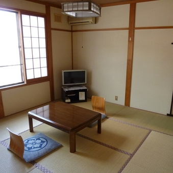 2階に和室6つ、食事はお部屋、展望風呂含め浴室3つ