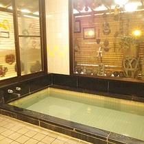 *大浴場/ドイツのバーデンバーデンと同じトロン温泉