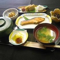 *朝食一例/朝は体にやさしい和定食を
