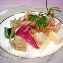*【食事例】洋食でも地元の味覚にこだわってご用意致します。