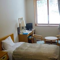 *【客室例】カップル・ご夫婦のご利用におすすめな洋室。