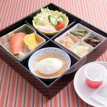 *【食事例】朝からしっかり和定食!お腹いっぱい食べてエネルギー補給。
