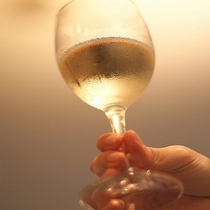 STARBARにてドリンク(白ワイン)1杯無料券付き♪夜空に流れる流星に星に願いを