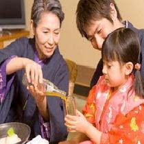 お子様ご同伴のお客様にはお部屋食が絶対条件!TV見ながらゆっくりお食事がご利用頂けます。
