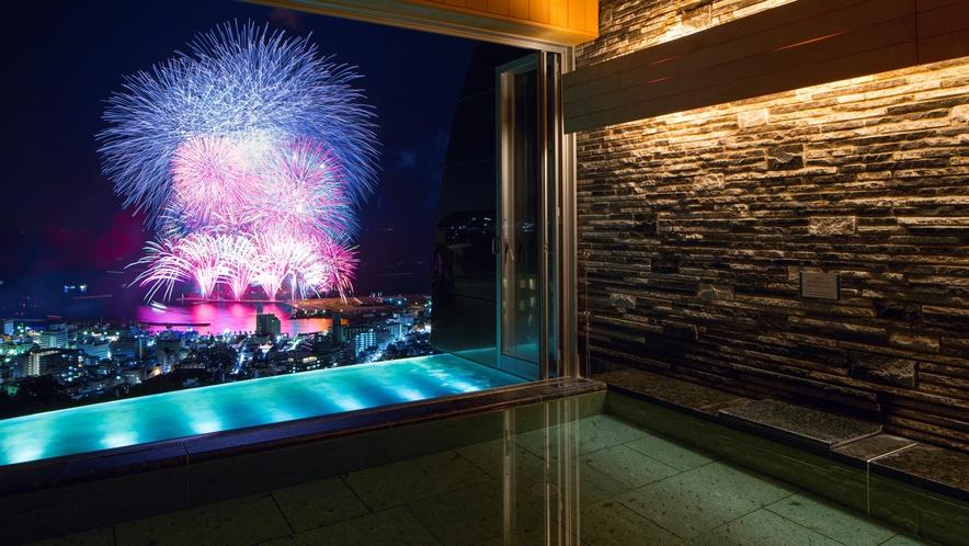 「明星の湯」から見る花火大会