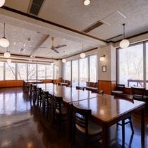 *レストラン/オーナーシェフが地元の食材を活かして創る創作料理をご賞味下さい。