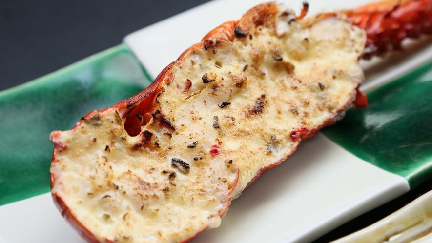 伊勢えびのタルタル焼き◆ぷりっぷりな食感と濃厚な甘みがたまらない!タルタルソースとの絶妙なハーモニ