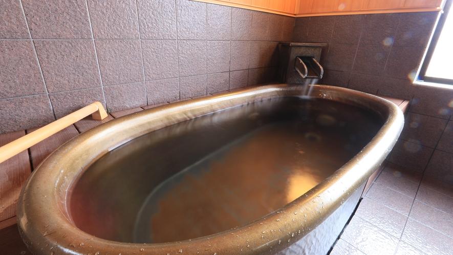 貸切風呂です。和の心と土のぬくもりが調和してモダンな雰囲気を演出します。旅の疲れを癒して下さい