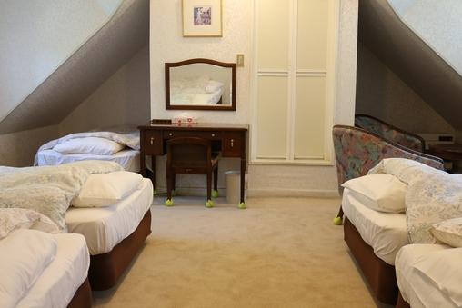 隠れ家みたいなお部屋 5ベッド