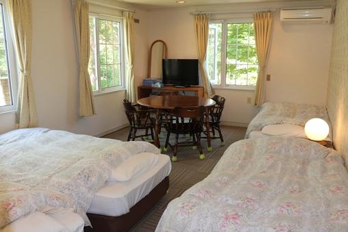 【12畳4ベッド】アウトバスのお部屋