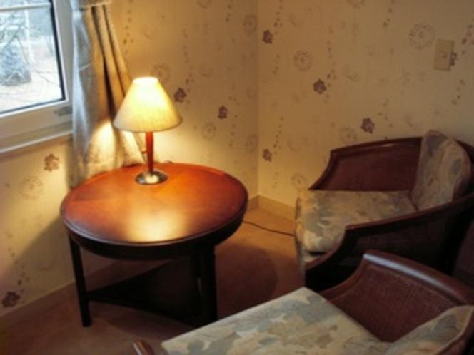 テーブル&椅子も備え付お部屋(例)