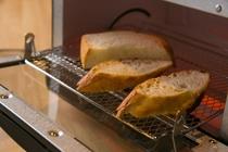 焼きたてのパンの香り