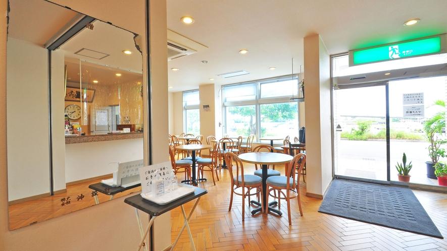 【エントランス】エントランスロビーは朝食会場として利用されます