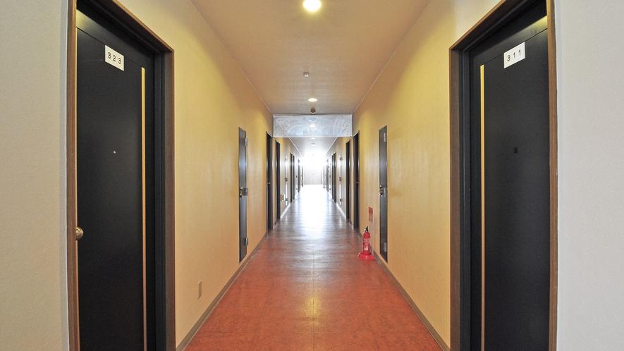 【廊下】各階客室の廊下です