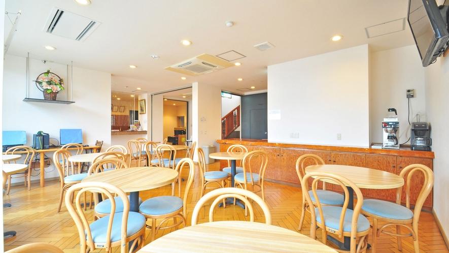 【朝食会場】ホテルにご訪問されたご友人との談笑の場としてご利用ください
