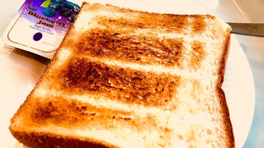 【軽朝食】食パンはトーストで焼くことができます
