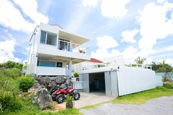 【さき楽】夏予約限定!の沖縄を早めにお得に予約!絶景の海の景色に癒されるコテージ宿泊