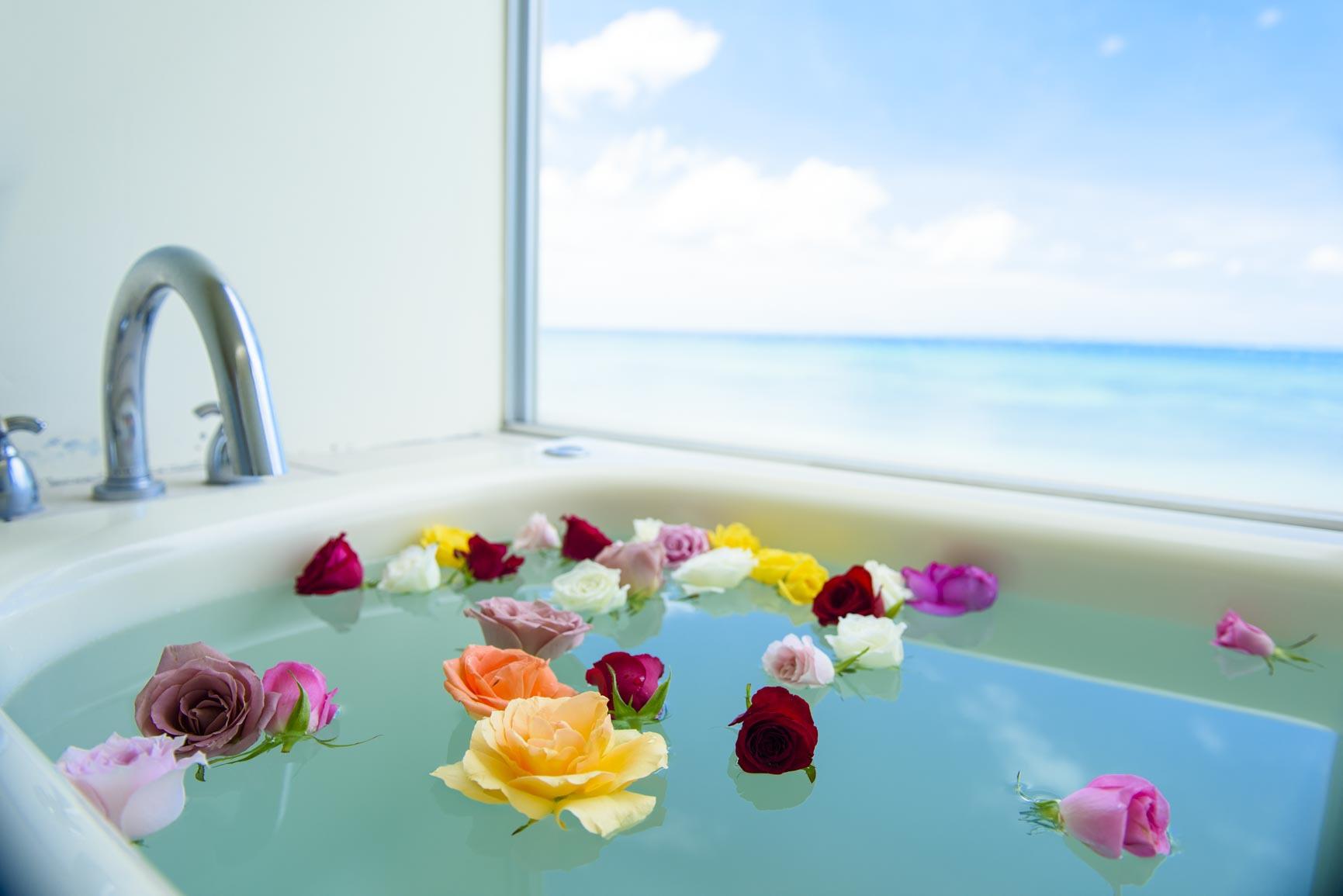 ベイデラックスのお風呂からの海の景色