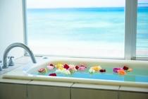 海を見ながらフラワーバスの贅沢!特別な記念日に是非ご利用をください。