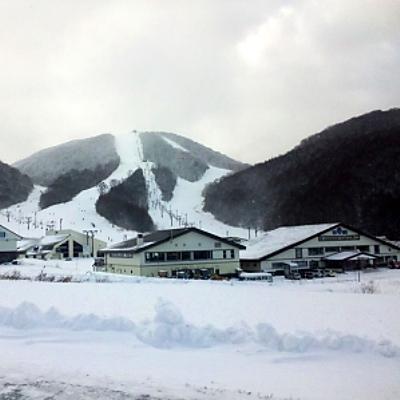 猫魔スキー場正面