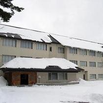 冬ホテル正面外観