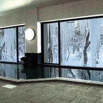 冬・浴場からの景色