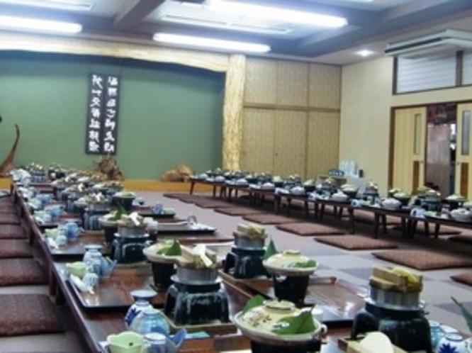 【大宴会場】二間つづき部屋の宴会場は、80人ほどでご利用いただけます!