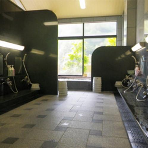 *【大浴場/仙人の湯】洗い場も十分な広さ。観光や登山の疲れをサッパリ洗い流して下さい♪