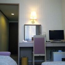 *【洋室一例】新しく快適な新館、バストイレ付きのツインタイプ。