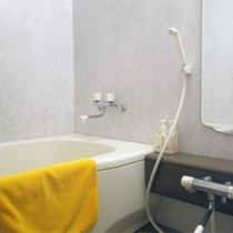 *【客室一例】和室タイプのバスルーム。深夜、早朝の入浴に便利!