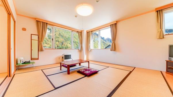 *和室10畳+6畳(バス・トイレ付)