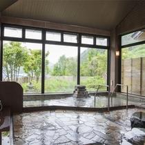 *【大浴場】ゼロ磁場の石入りのお湯は石のミネラルが溶け込むことで、お肌に優しいお風呂になります!