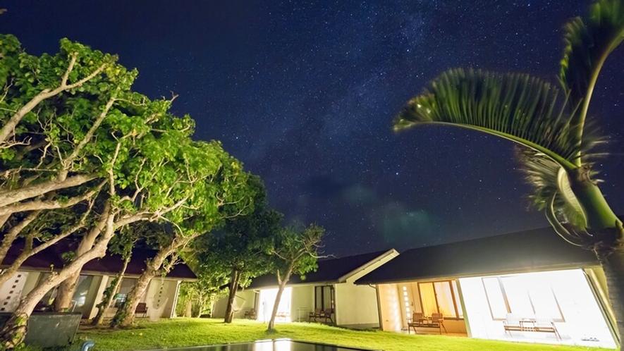 *【中庭】ヴィラうなりざきのお庭から見える美しい星空。