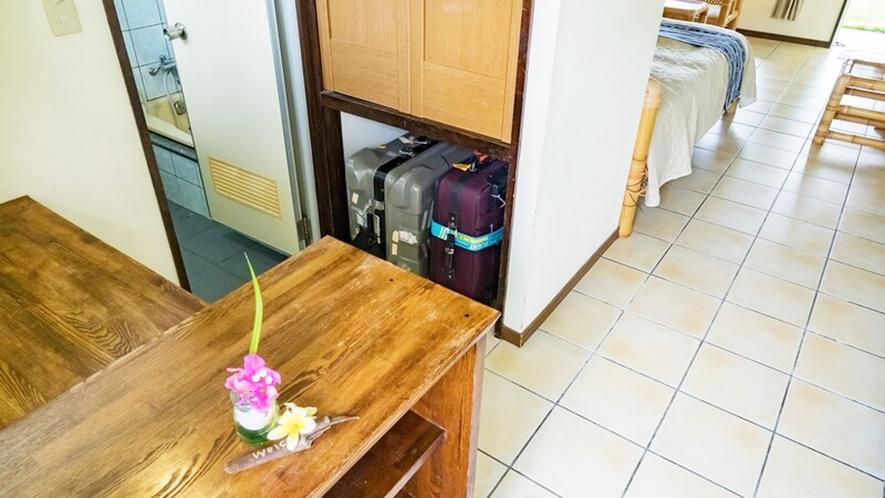*【客室一例】入口クローゼット。トランクケースなどはこちらにどうぞ。