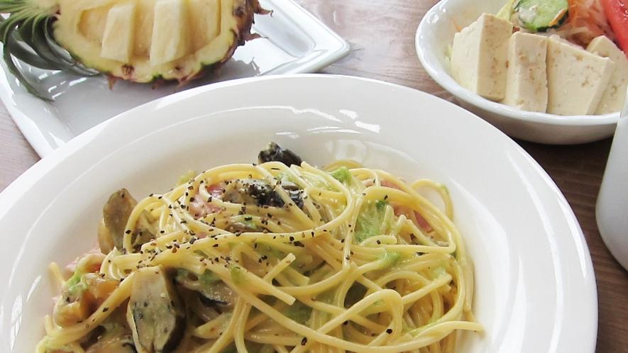 *【お料理一例】バゲット・スープ・デザートも付いた、人気のパスタセット♪
