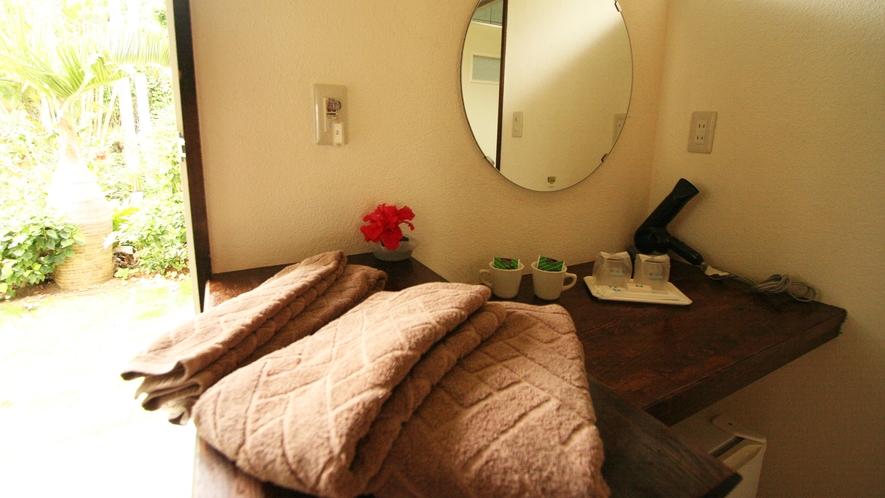 *【客室一例】海へ行かれる方には、タオルの追加貸出サービスもございます。