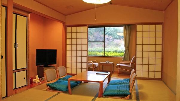 和室10畳(バス無し・トイレ付)