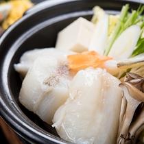*【ふくちり鍋】河豚のやわらかい出汁がきいた、心も体も温まるお鍋です。