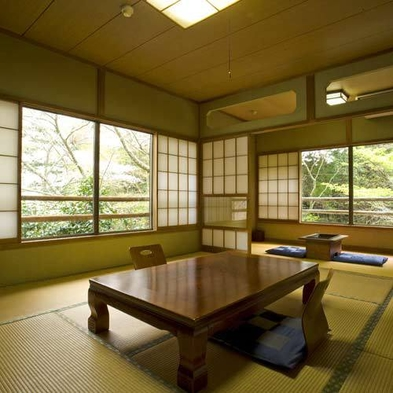 ◆最終チェックイン21時!静岡市街地から至近の歴史ある秘湯です【朝食付】