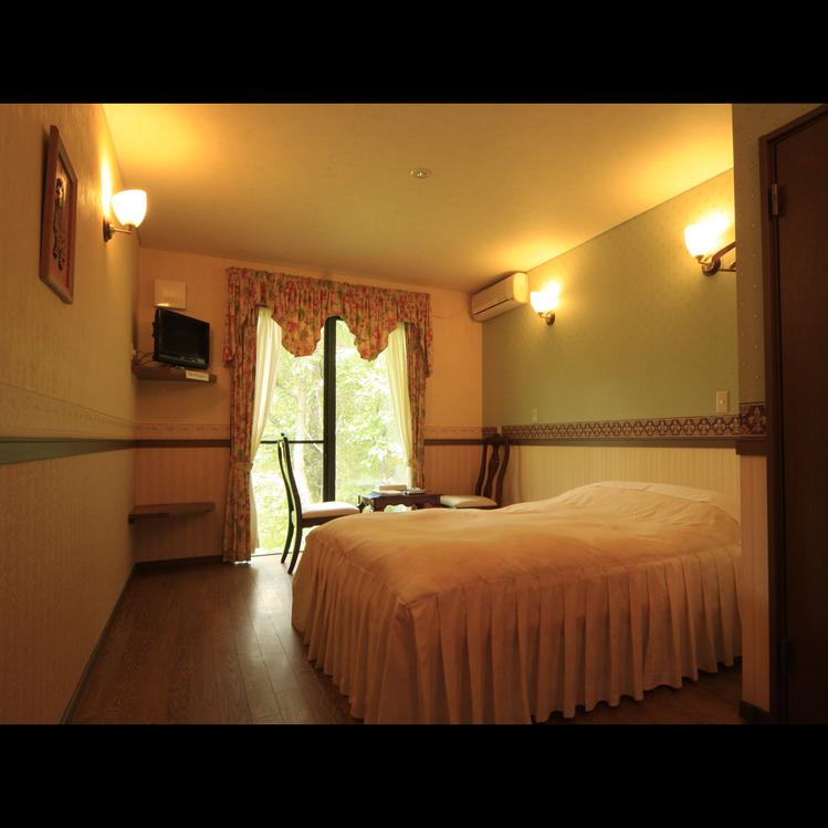 カップルやご夫婦向けの お部屋です。お二人とワンちゃんとで広々とご利用いただけます。