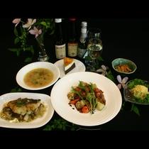 和洋折衷の家庭料理コースを有機コシヒカリでおもてなしいたします