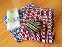 浴衣は男性用と女性用があり、7月と8月を除いた期間限定で無料で貸し出します。