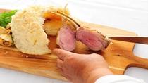 特製岩塩とハーブで香ばしく焼いた仔羊(ラム肉)ディナープラン♪