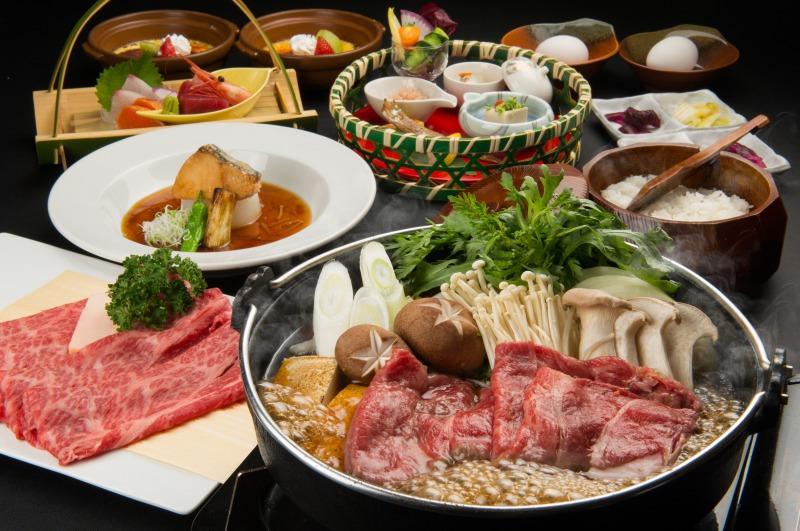 神内和牛あかのすき焼き鍋のご夕食膳
